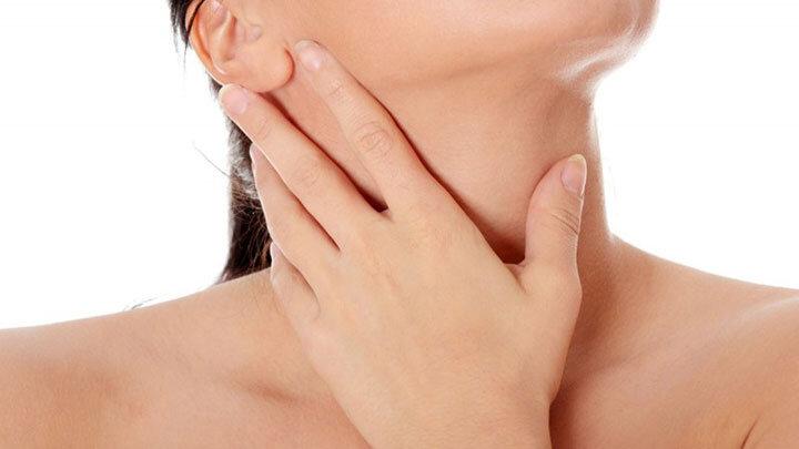 Hipertiroidi / Tirotoksikoz – Tiroid Bezinin Fazla Çalıştığı Durumlar